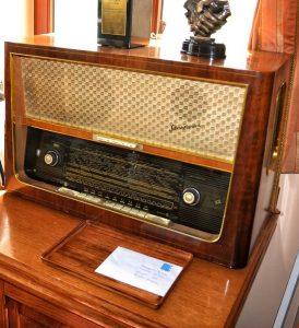 תמונה של רדיו מנורות ישן